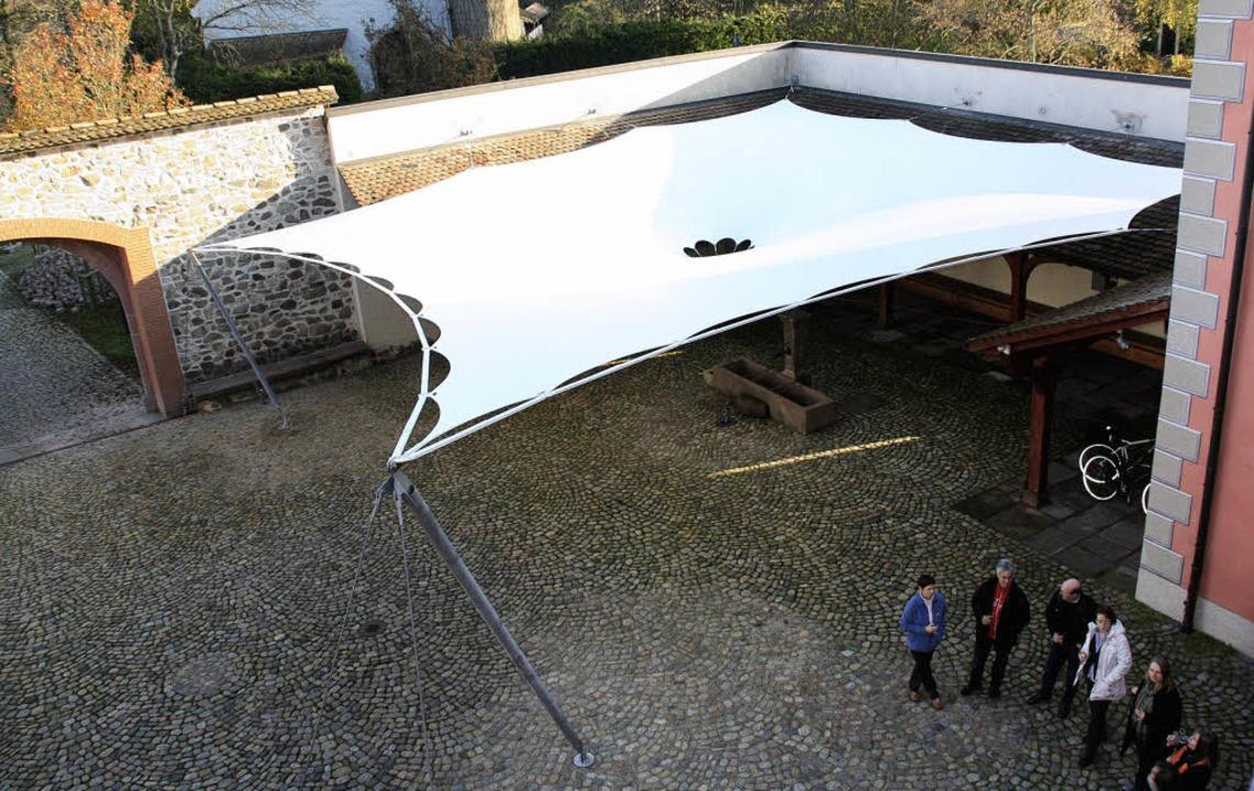 Sommerliche Open-Air-Veranstaltungen i... großflächiges Membran-Dach geschützt     Foto: Andreas Peikert