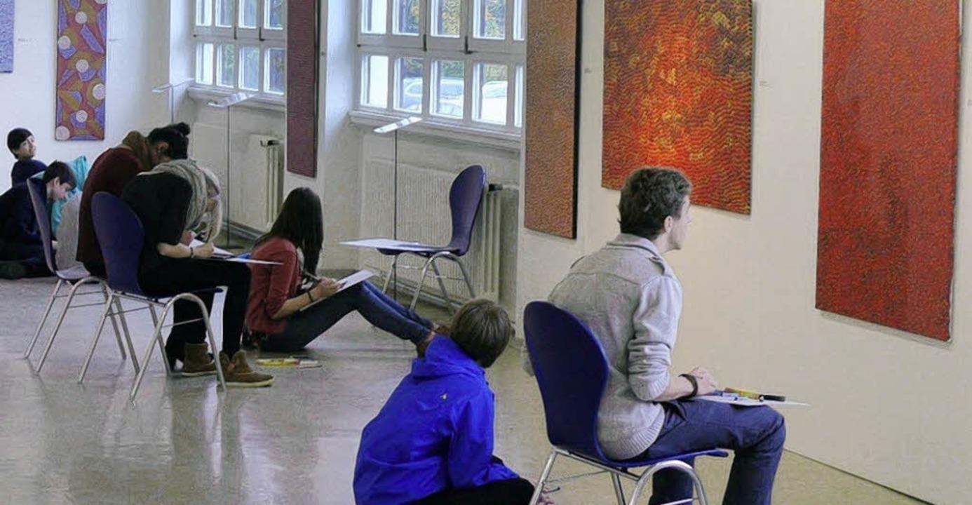 Schülerinnen und Schüler beschäftigten...-Art-Ausstellung in der Kulturfabrik.     Foto: Privat