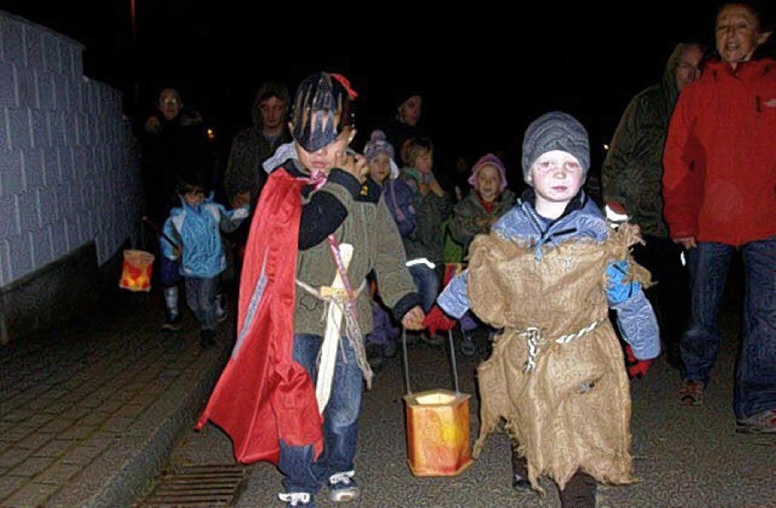 """""""Ein Lichtermeer zur Martinsehr&... Foto, Bildmitte) elf Jahre alt wurde.    Foto: Privat/Wehrle"""