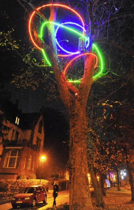 Bis einschließlich kommenden Montag we...rachstraße farbenprächtig illuminiert.  | Foto: Michael Bamberger
