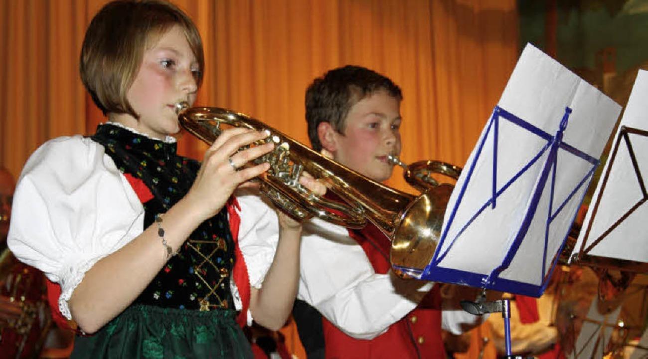 Leoni Gerspacher und Valentin Maier er...8220; die Herzen der Konzertbesucher.     Foto: Andreas Böhm