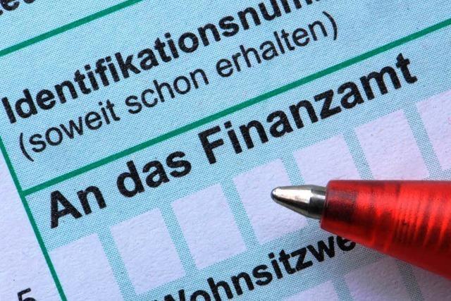 Neue Software in Finanzämtern: Steuerzahler müssen warten