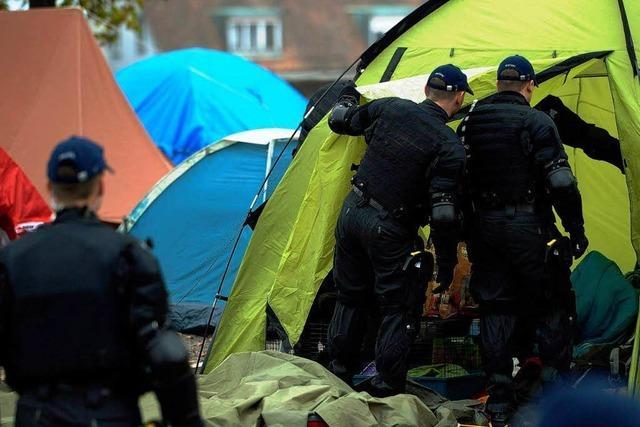 Polizei räumt Occupy-Camps in den USA