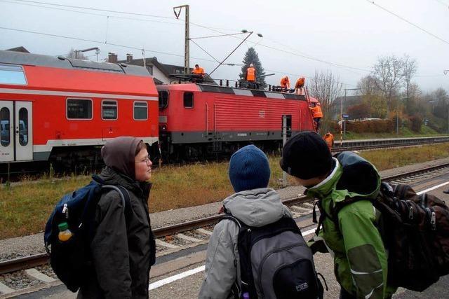 Schaden an Oberleitung stoppt Höllentalbahn