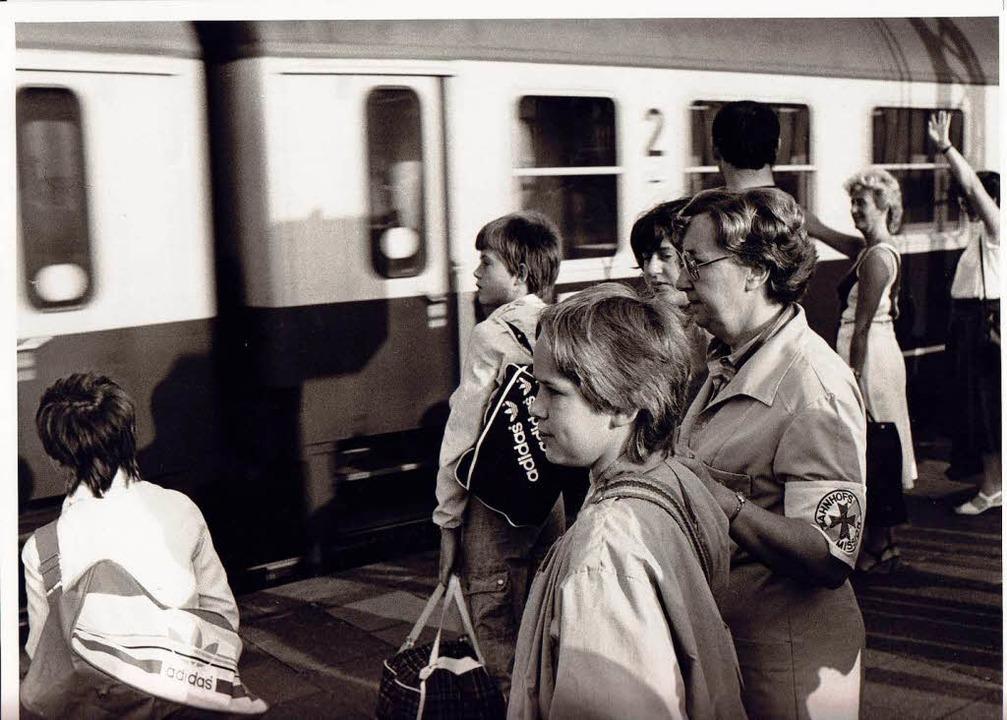 Bahnhofsmission im Jahr 1976 – s...te gibt es Tee, Gebete und Reiseinfos.  | Foto: Peter Wirtz