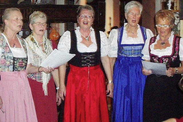 Singende Hausfrauen aus Friesenheim