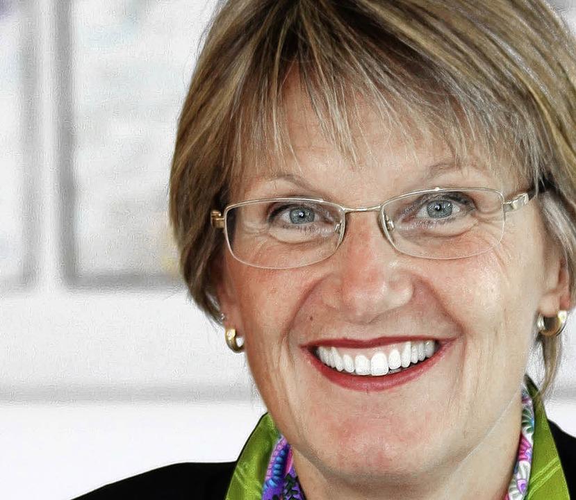 Sauer auf den Landesverkehrsminister: Landrätin Dorothea Störr-Ritter   | Foto: BZ