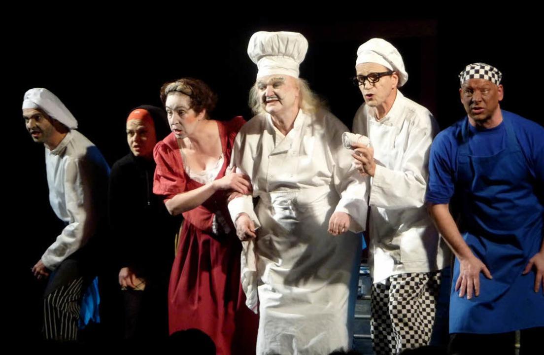 Das Theater Berliner Compagie  rührte ...Weltädeli kräftig den Klimawandel um.   | Foto: Brigitte Chymo