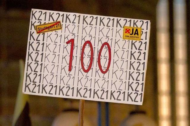 Fotos: 100. Montagsdemo der S21-Gegner