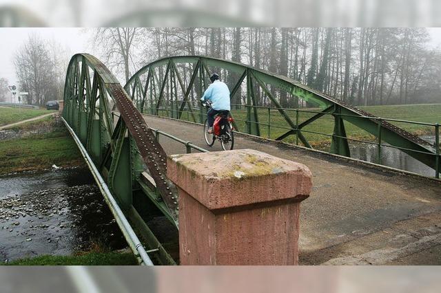 Alte Dreisambrücken als Sanierungsfälle