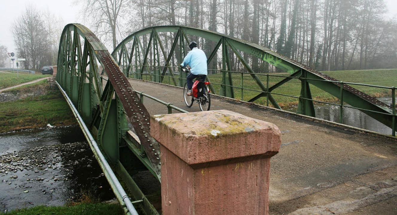 Nur als Rad- und Wirtschaftsweg wird d... daher einen günstigeren Neubau vor.    | Foto: horst david