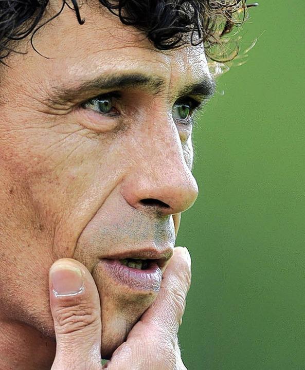Nach schwacher Hinrunde nachdenklich: ...20;, sagt Trainer Francois  Blondeau.   | Foto: Seeger