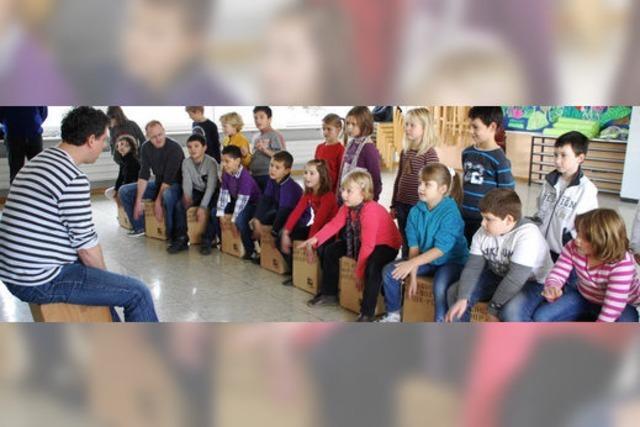 Musiklehrer besuchen 400 Schüler