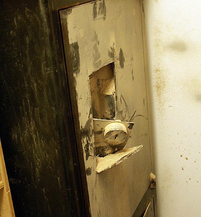 Geldschränke haben dicke Türen und sind nicht  leicht zu knacken.   | Foto: Scherfling
