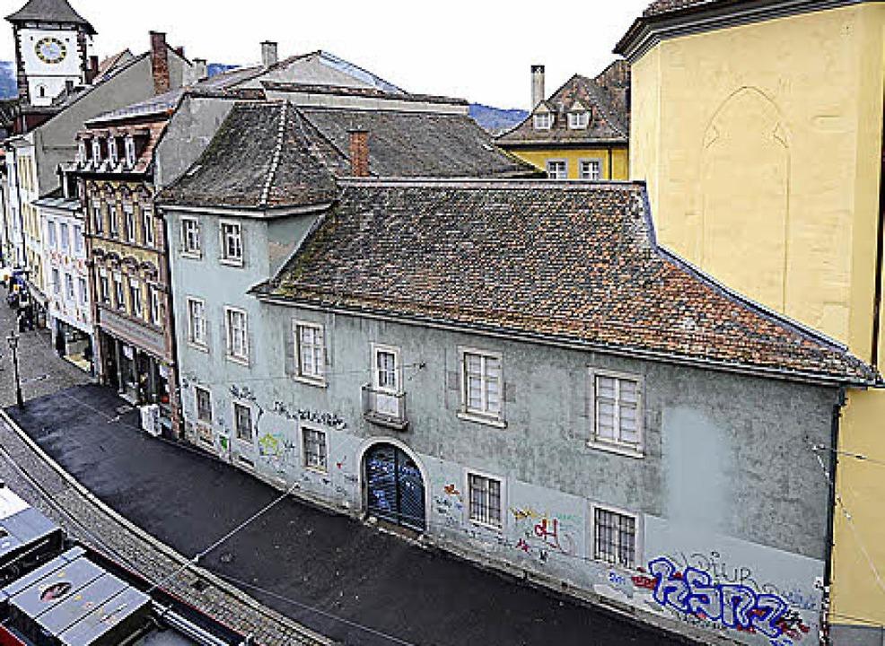 Zuvor gab's am Gebäude reichlich  Graffiti.  | Foto: Archivbild: Ingo Schneider