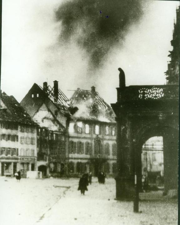 Das Erzbischöfliche Palais brannte ab.  | Foto: Stadtarchiv