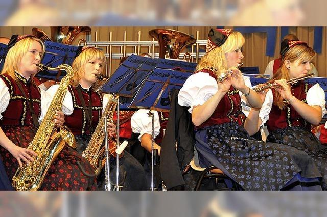 Buntes Marschkonfetti und Gute-Laune-Hits