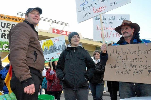 Milchbauern protestieren gegen Dumping-Exporte aus der Schweiz