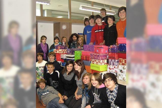 ENTER: Realschüler schenken Weihnachtsfreude
