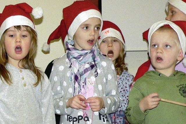 Kinder singen für Senioren