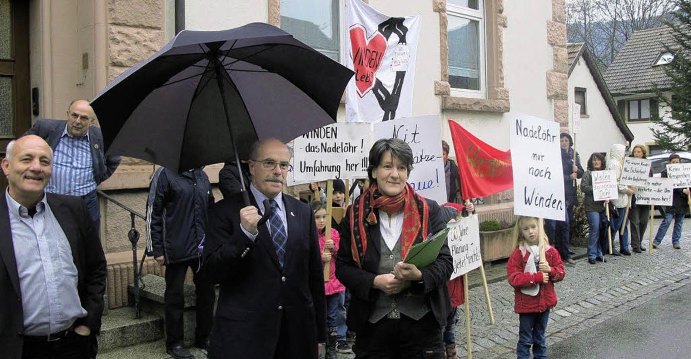 Höflich, aber mit klaren Forderungen b...en die Windener die Staatssekretärin.     Foto: Hämmerle
