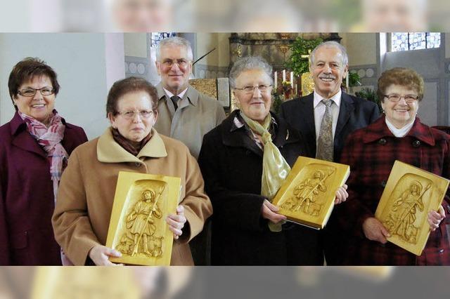 Zusammen 220 Jahre im Kirchenchor
