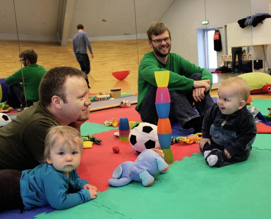 Kleine und große Männer unter sich – in Kopenhagens Spielstube.     Foto: HAnnes gamillscheg