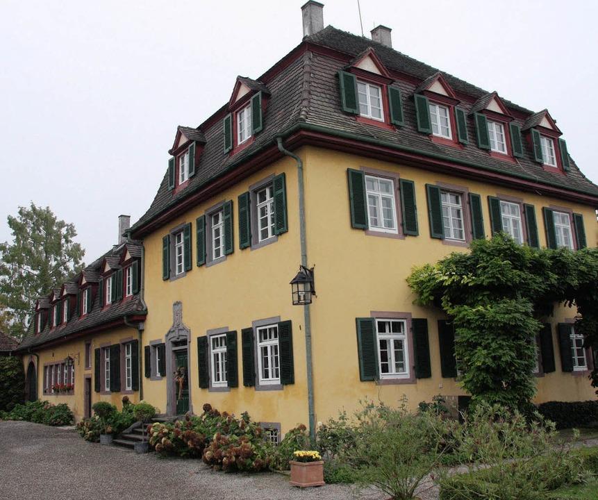 Der Wohnsitz der Familie Adrian von Ho...en Stil stammt aus den 1760er Jahren.     Foto: Sivlia faller