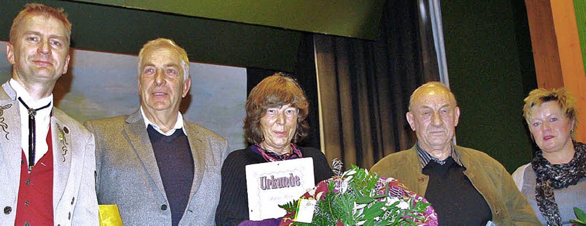Geehrt für 25 jährige Mitgliedschaft w...Vorsitznde des Vereins, Stefan Eckert.  | Foto: Rolf Reißmann