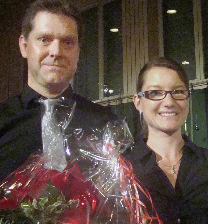 Thomas Schneider ehrt die stets engagierte Marianne Huber    Foto: Ingrid Arndt
