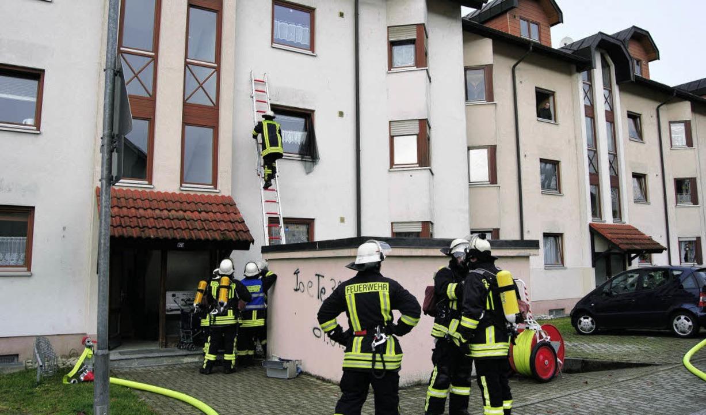 Rauch aus einer Wohnung alarmierte am ...iglich Essen auf dem Herd angebrannt.     Foto: Dieter Schwöble