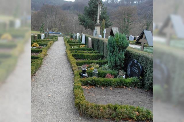 Informationen zu Friedhof und Schulhalle
