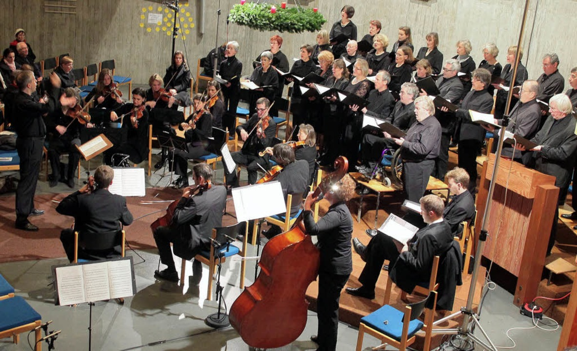 Unter Reinhard Bäders Leitung trafen C...Kammerorchester den romantischen Ton.   | Foto: Christian Heck