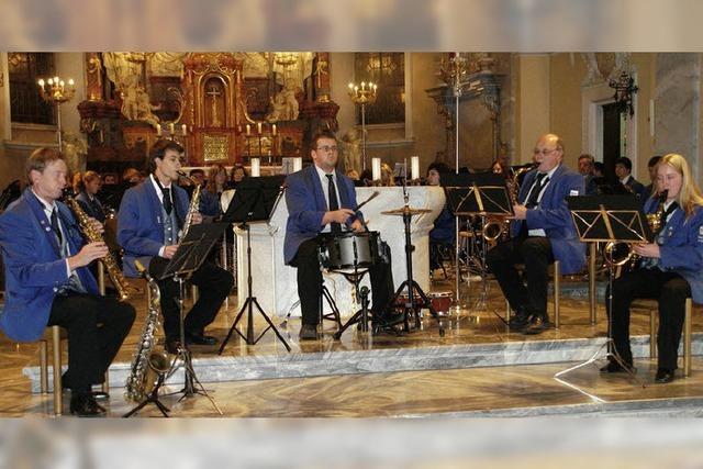 Stadtmusik zeigt Verbundenheit zur Pfarrkirche