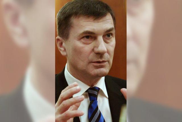 Regierungschefs aus Estland und Lettland sprechen über die Schuldenkrise