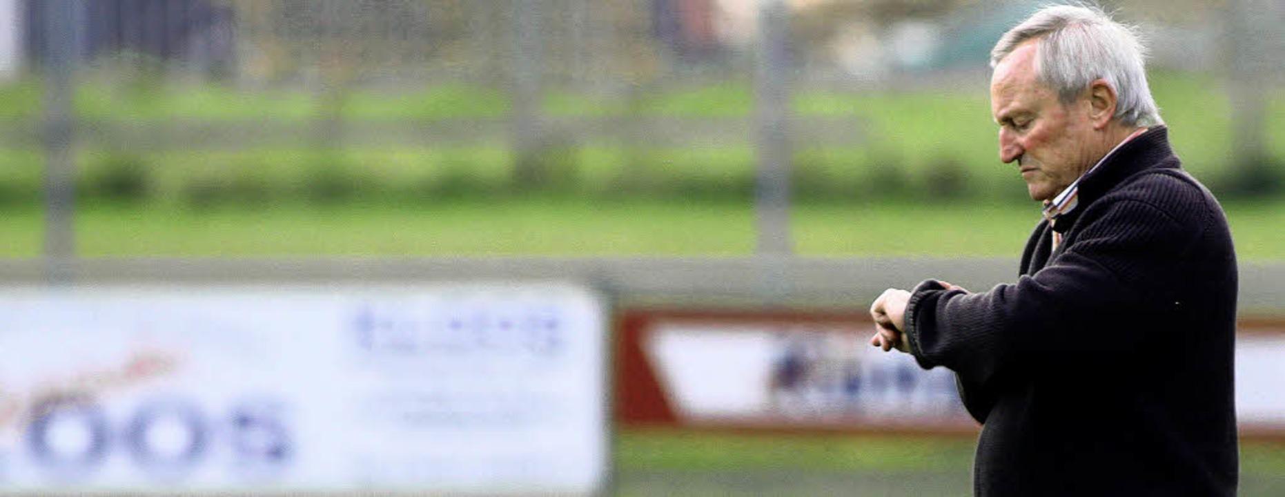 Noch ein Spiel, dann ist Pause für Trainer Michael Bellert und den SC Kappel.   | Foto:  Peter Aukthun (Archiv)