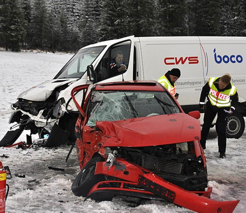 Schwer verletzt wurde die Fahrerin ein...ammenstoß mit einem Kleintransporter.   | Foto: Martin Ganz