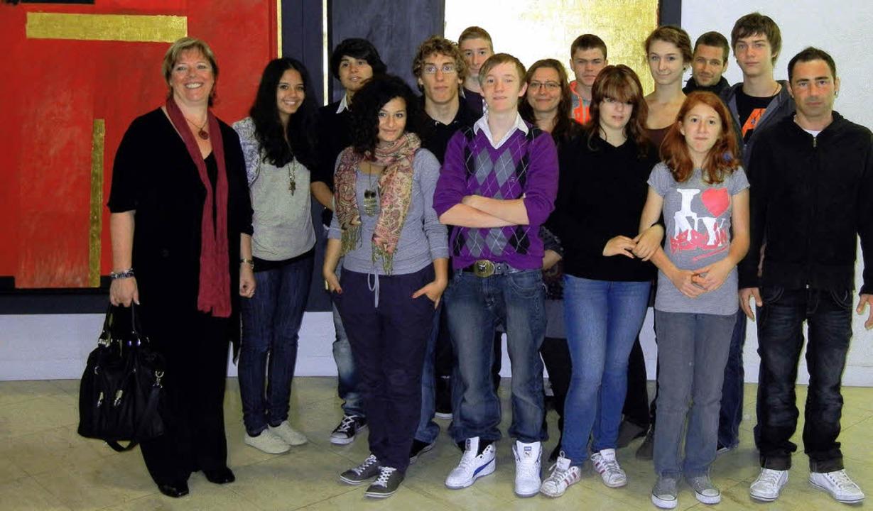 Der Jugendgemeinderat Waldkirch besuch...Wölfle (links) im Stuttgarter Landtag.  | Foto: ZVG