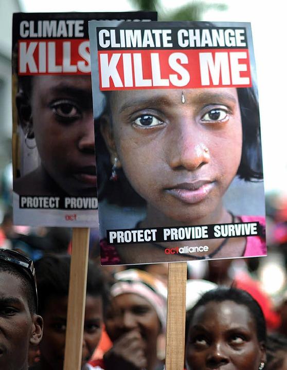 Demonstranten in Durban    Foto: dpa