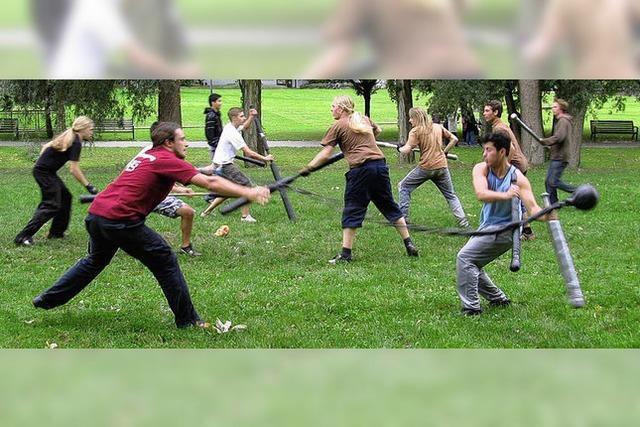 Ballsport trifft Schwertkampf