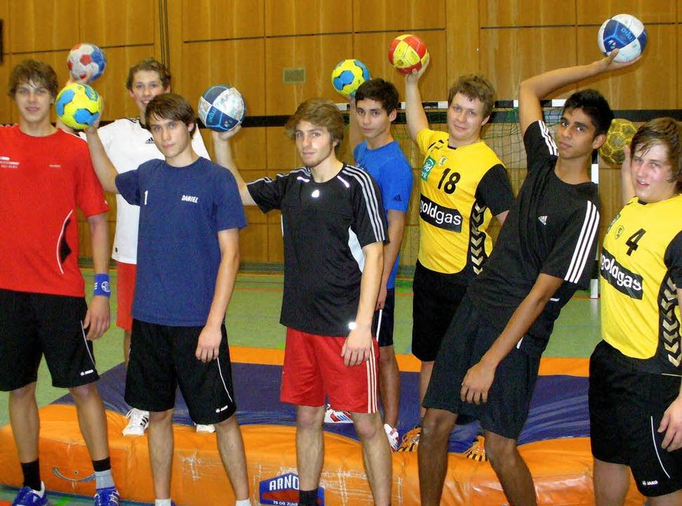 Die Handball-A-Jugend  des  TV-Neustad...rr, Jannik Kötting und  Magnus Huber    | Foto: Thomas Binder