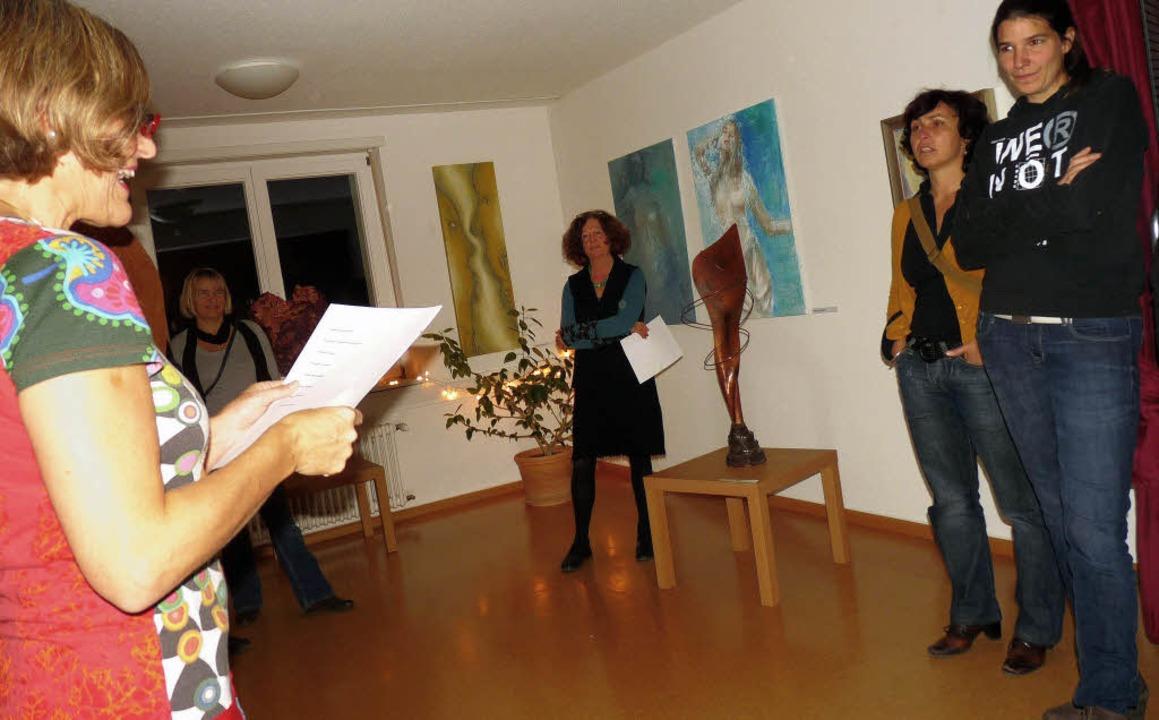Lebens-Lust in der Frauenberatungsstel...g wurde die neue Ausstellung eröffnet.    Foto: Claudia Gabler