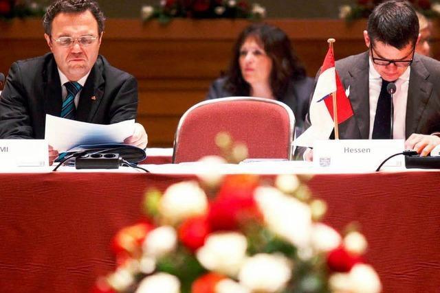 Innenminister streben NPD-Verbotsverfahren an