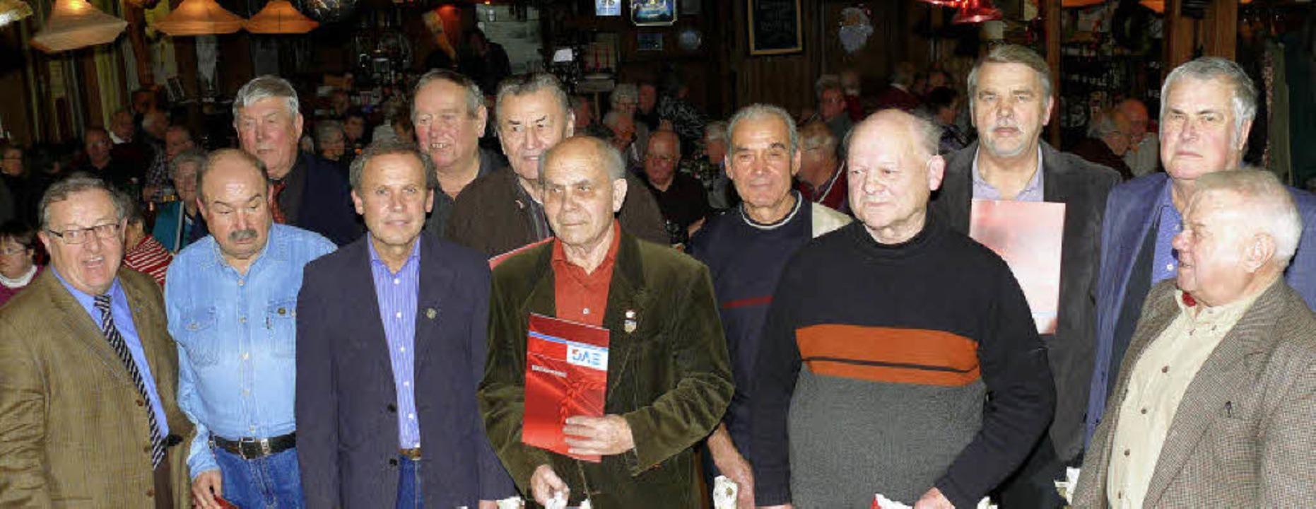 Seit langem solidarisch: (von links) V..., Pasquale Salvatore und  Kurt Goerke     Foto: frank leonhardt