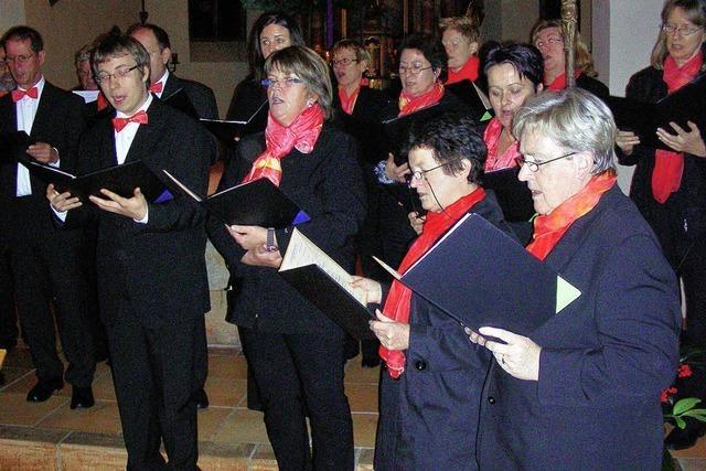 Mit Orgel, Alphorn und Chorgesang