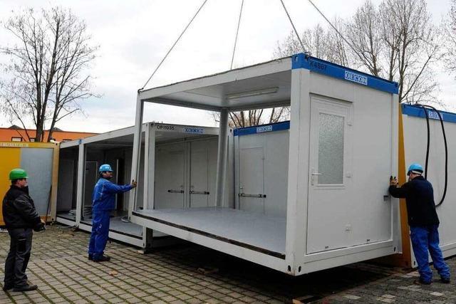 Polizei bereit für Stuttgart-21-Demos – Gefangenen-Container stehen