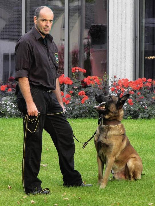 """""""Mit einem Hund können Sie diese...old Göbel und sein tierischer Partner.    Foto: privat"""