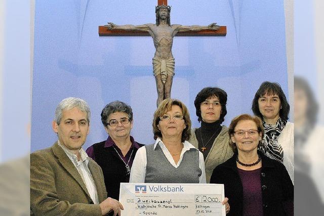 Frauenverein spendet 2000 Euro für die Kirche