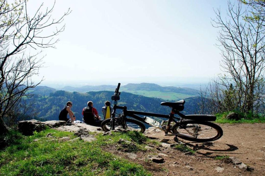 Zusätzlich buchbar: Fahrradtouren durc...auf die Anhöhen des Hochschwarzwalds.   | Foto: Vita Classica