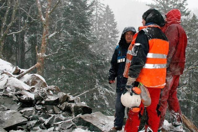 Experten sprengen den Weg zur Zastlerhütte frei